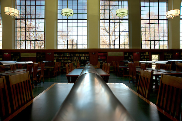 Images of library tables empty